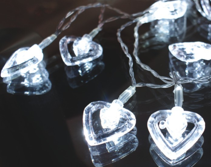 FY-009-A176 LED CHIRITIMAS LIGHT CHAIN WITH HEART DECORATION FY-009-A176 LED CHIRITIMAS LIGHT CHAIN WITH HEART DECORATION LED String Light with Outfit