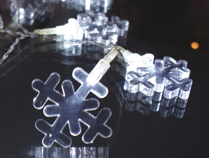 FY-009-A183 LIGHT CHAIN WITH SNOWFLAKE DECORATION FY-009-A183 LIGHT CHAIN WITH SNOWFLAKE DECORATION - LED String Light with Outfit made in china